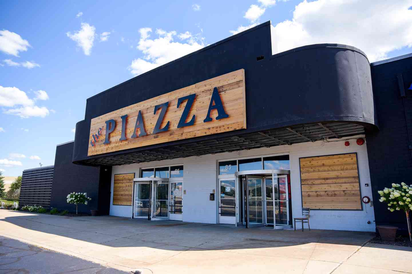 the PIAZZA front - Day