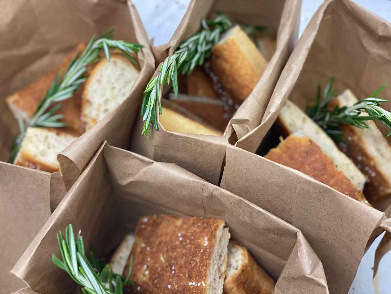 Pane Caldo e Accompagnamenti