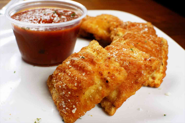 Fried Ravioli (6)