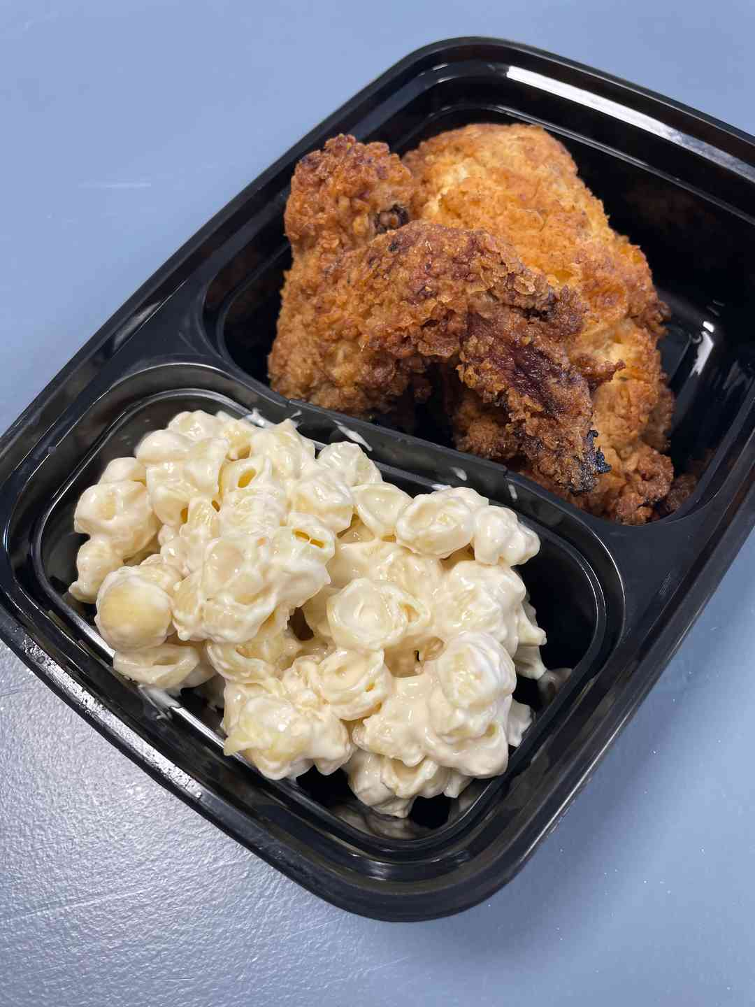 Fried Chicken with mac & cheese