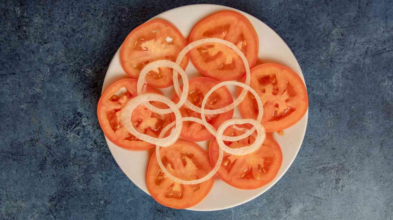 Ensalada de Tomate - Tomato Salad