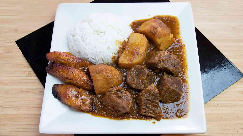 25. Carne con Papa a La Cubana - Beef and Potatoes