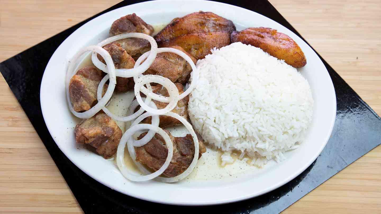 2. Macitas de Puerco Fritas - Fried Pork Chunks