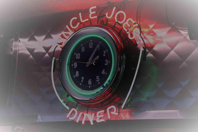 uncle joes diner sign