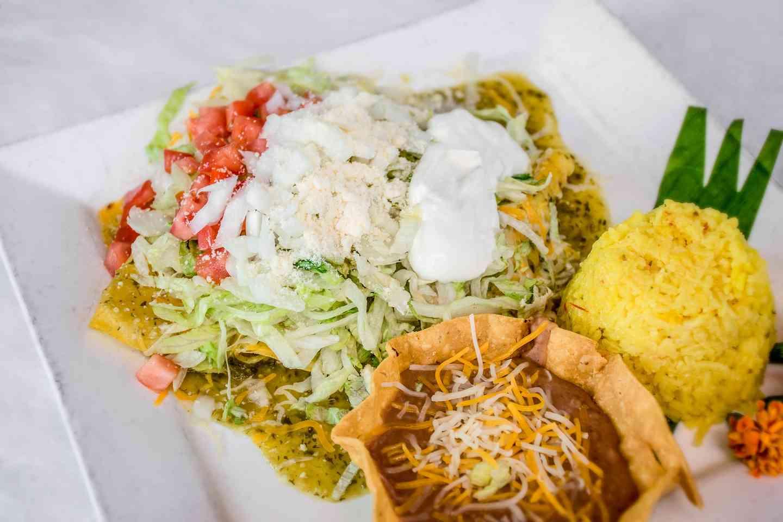 Abuelitas 3 Enchiladas