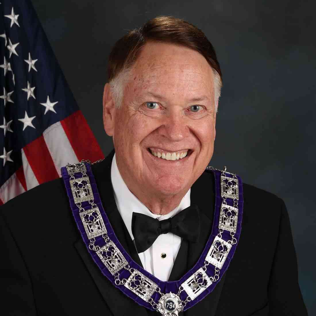 Bill Capps (Spouse: Mary)
