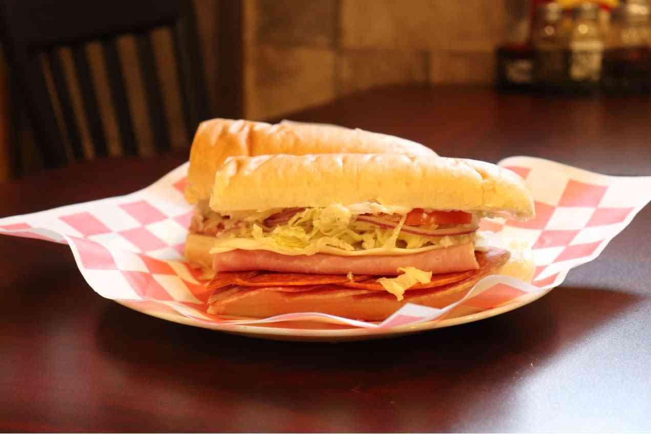 Italian (salami, pepperoni, ham) Sub