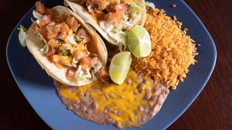 Tacos de Pescado (2)