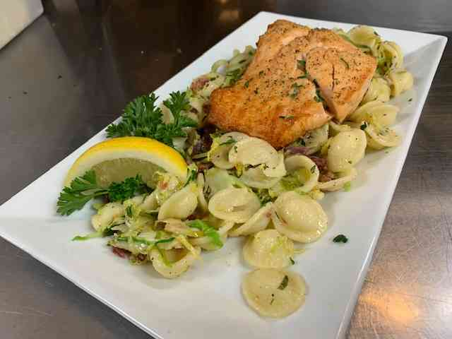 Salmon & Sprouts