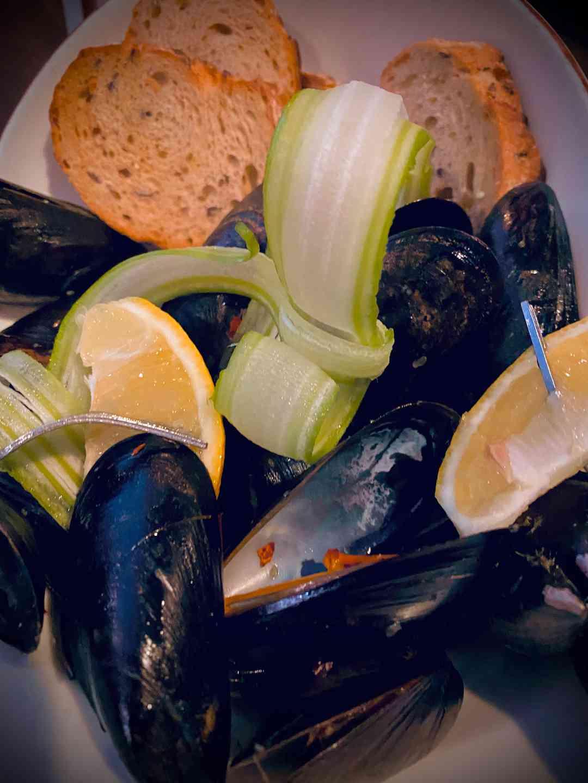 Mussel Pot Pei