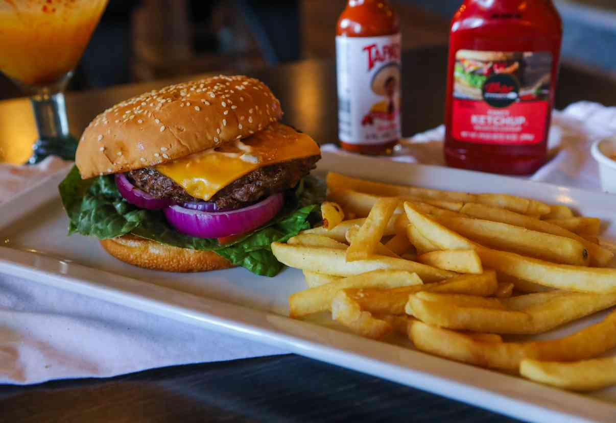 El Patron Certified Angus Burger