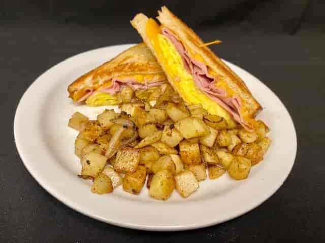 Basic Breakfast Sandwitch