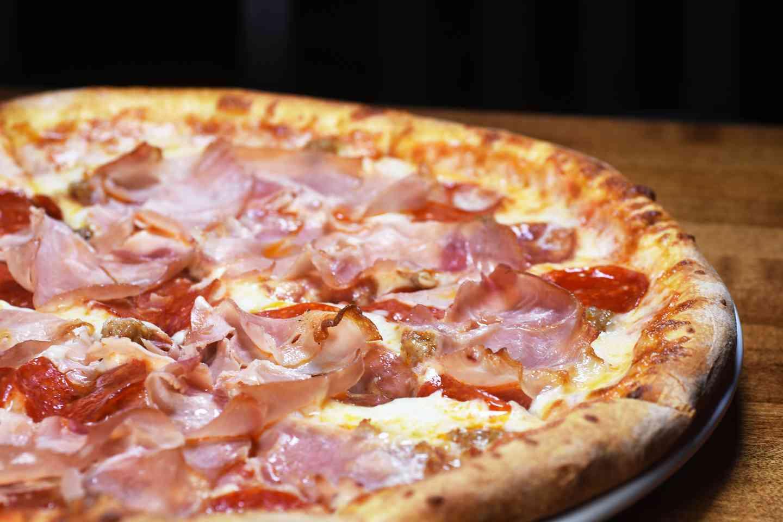 AMANTE DELLA CARNE PIZZA