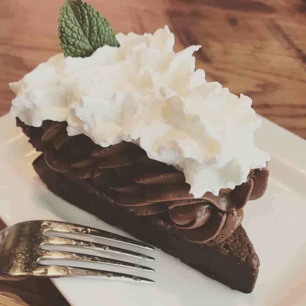 Amaretto Chocolate Mousse Cake