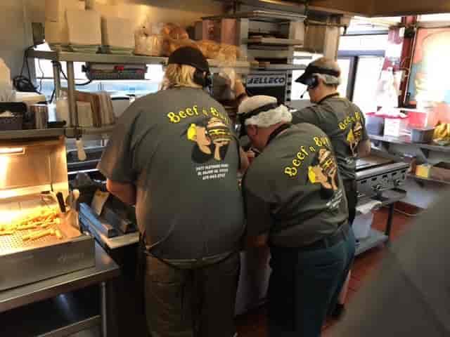 Beef 'n Bun crew