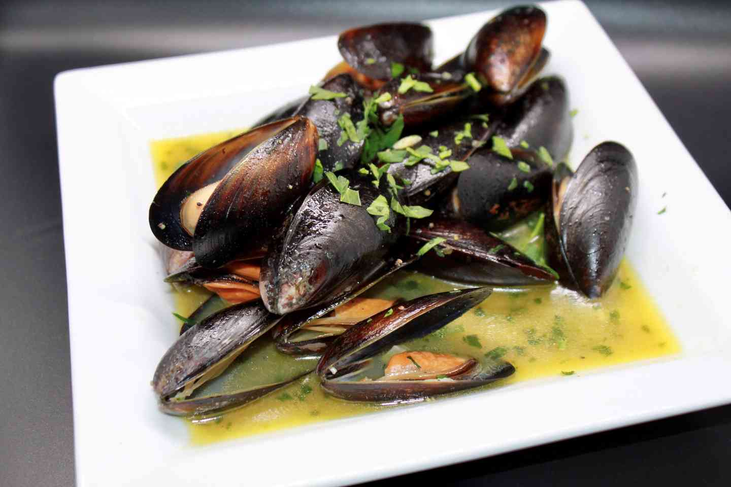 Mussels (Red/White)