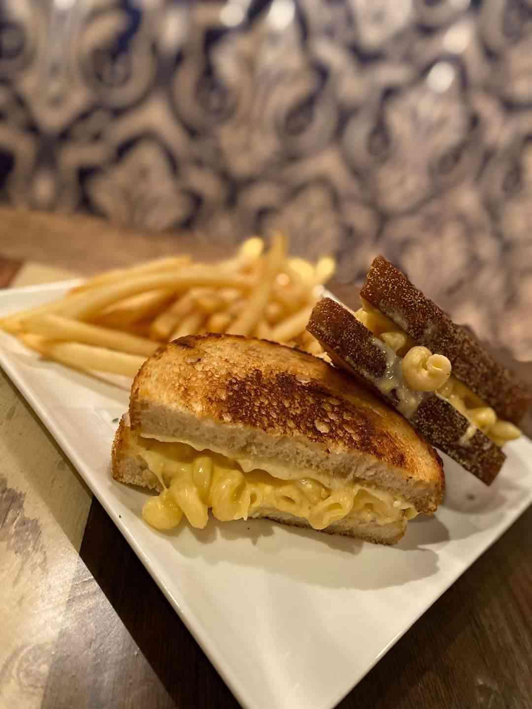 Mac & Cheese Stuffed Grilled Cheese