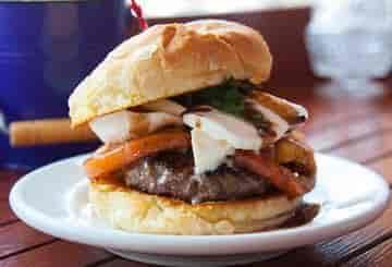 Caprese Burger 🍔