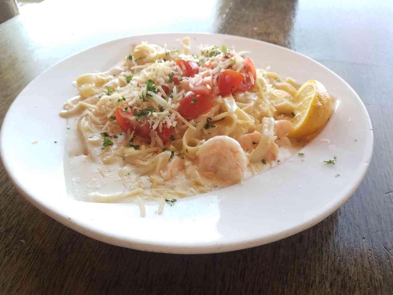 Wahoo's Jumbo Shrimp & Pasta