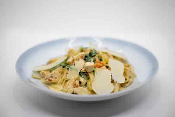 Chicken and Spinach Tagliatelle