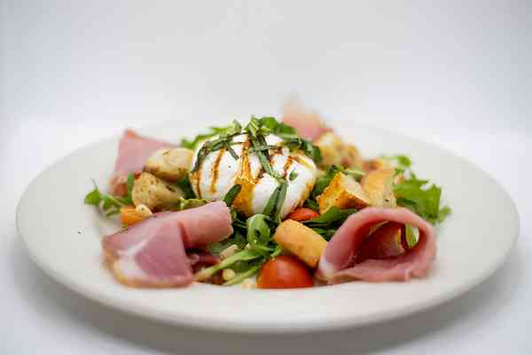 Seasonal Burrata Salad