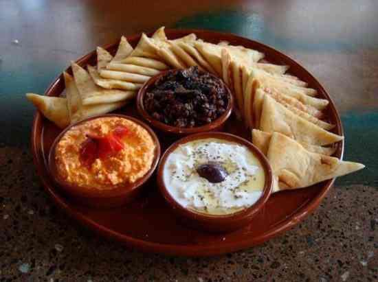 THREE DIPS & PITA PLATTERS