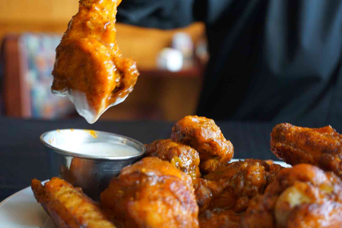 BAKED NEW YORK CHICKEN WINGS
