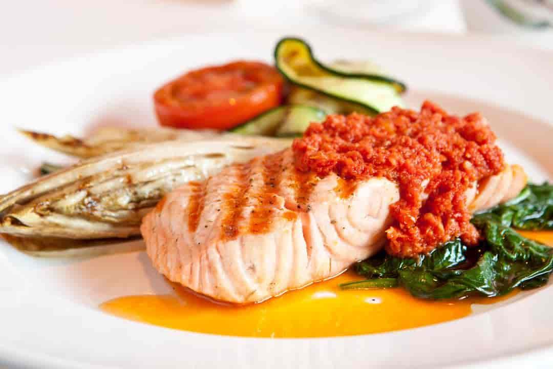Salmone Grigliato e Vegetali (BAR MENU)