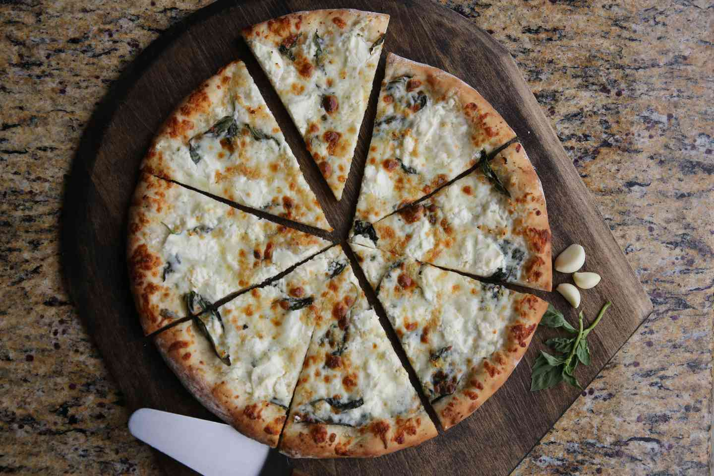 FOUR-CHEESE WHITE PIZZA - NEW