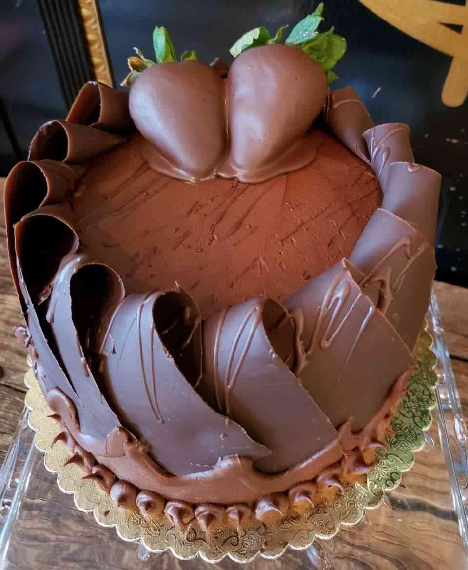 Chocolate Curl Cakes