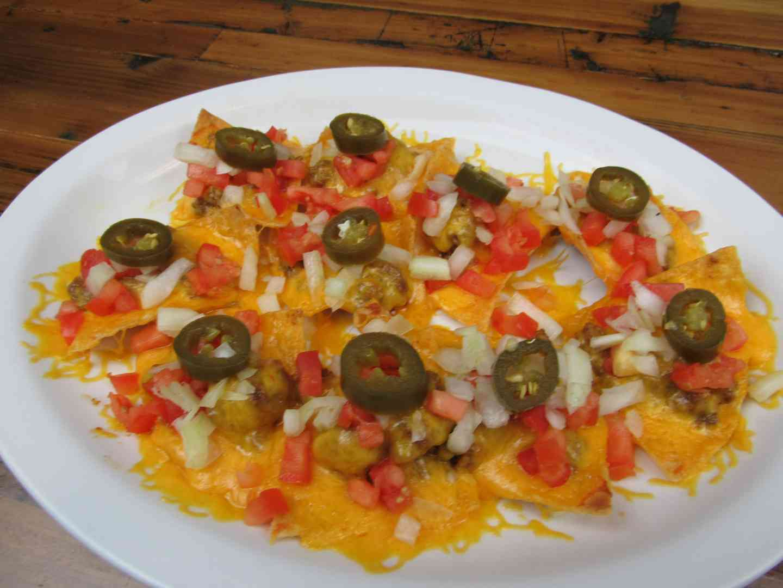 Nachos Mariache Platter (Beef or Bean)