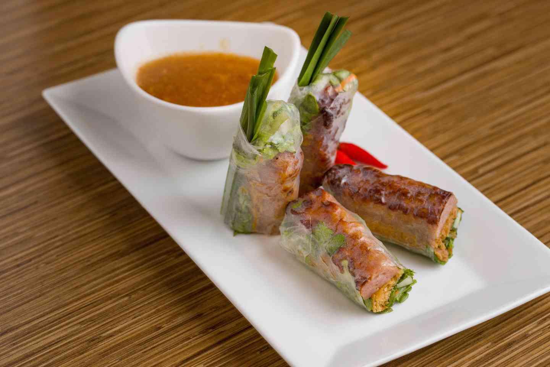 Grilled Pork Spring Rolls – Nem Nướng Cuốn