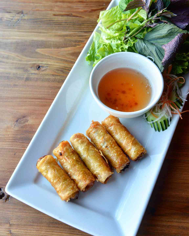Crispy Vietnamese Egg Rolls – Chả Giò Dặe Biệt