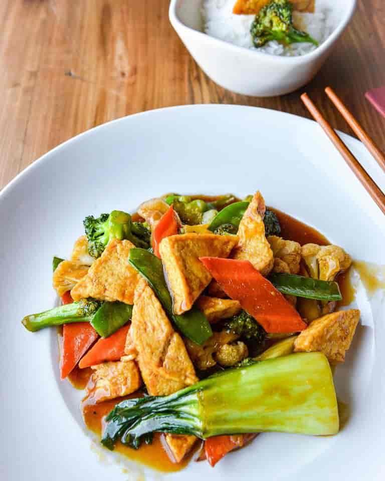 Tofu & Vegetables – Dậu Hủ Xào Bông Cải
