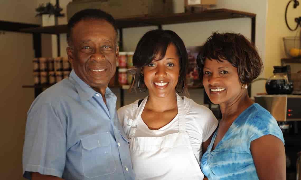 Marchet, Mom & Pop