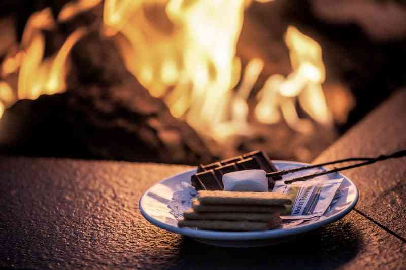 S'mores & Cocktails