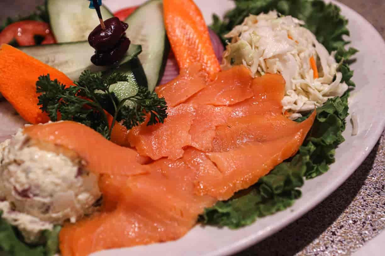 Smoked salmon (Lox) platter