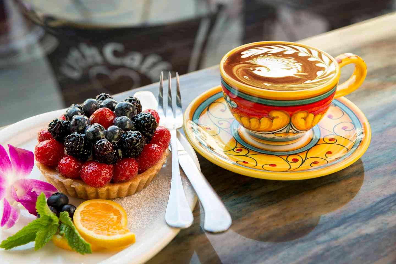 fruit tart and latte