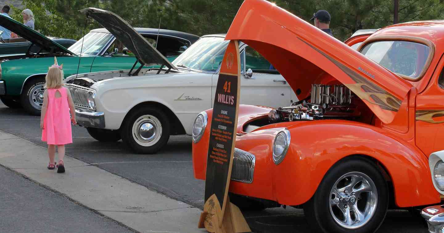 Peavine Taphouse Eats & Beats Partners with Somersett Town Center in Reno, NV for 'Coffee and Cars' Event