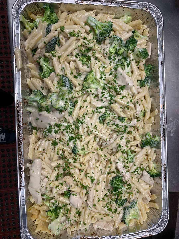 Pasta with Alfredo, Chicken, Broccoli