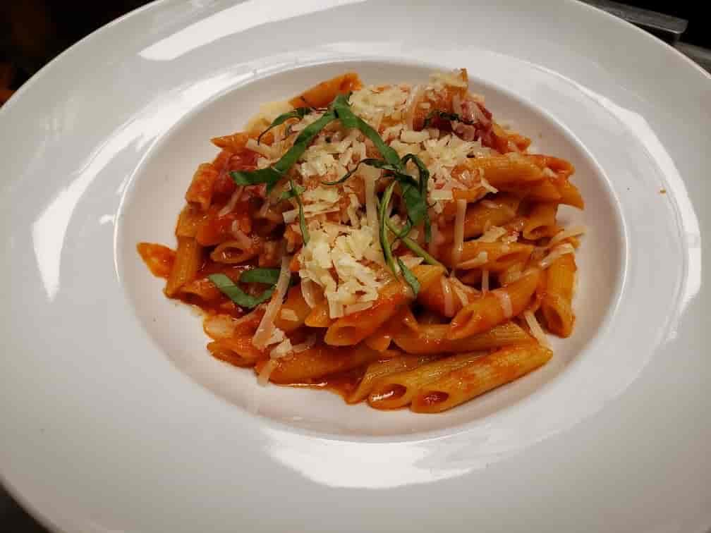 Pasta Pomodoro (Chelsea's Favorite)