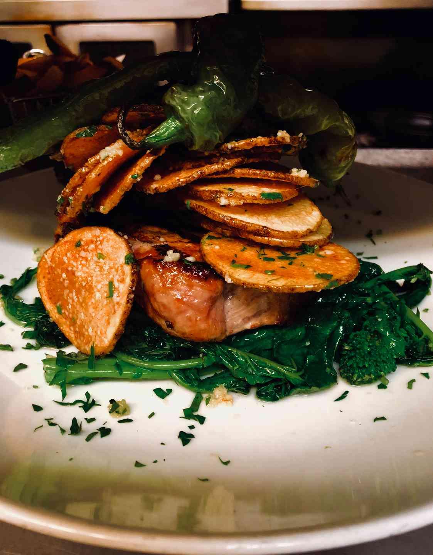 steak and veggie plate