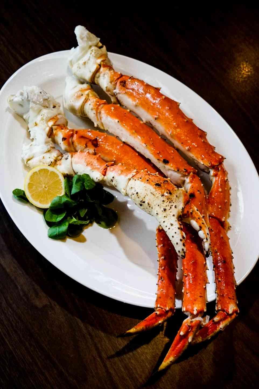 Extra Large Alaskan King Crab Legs per lb