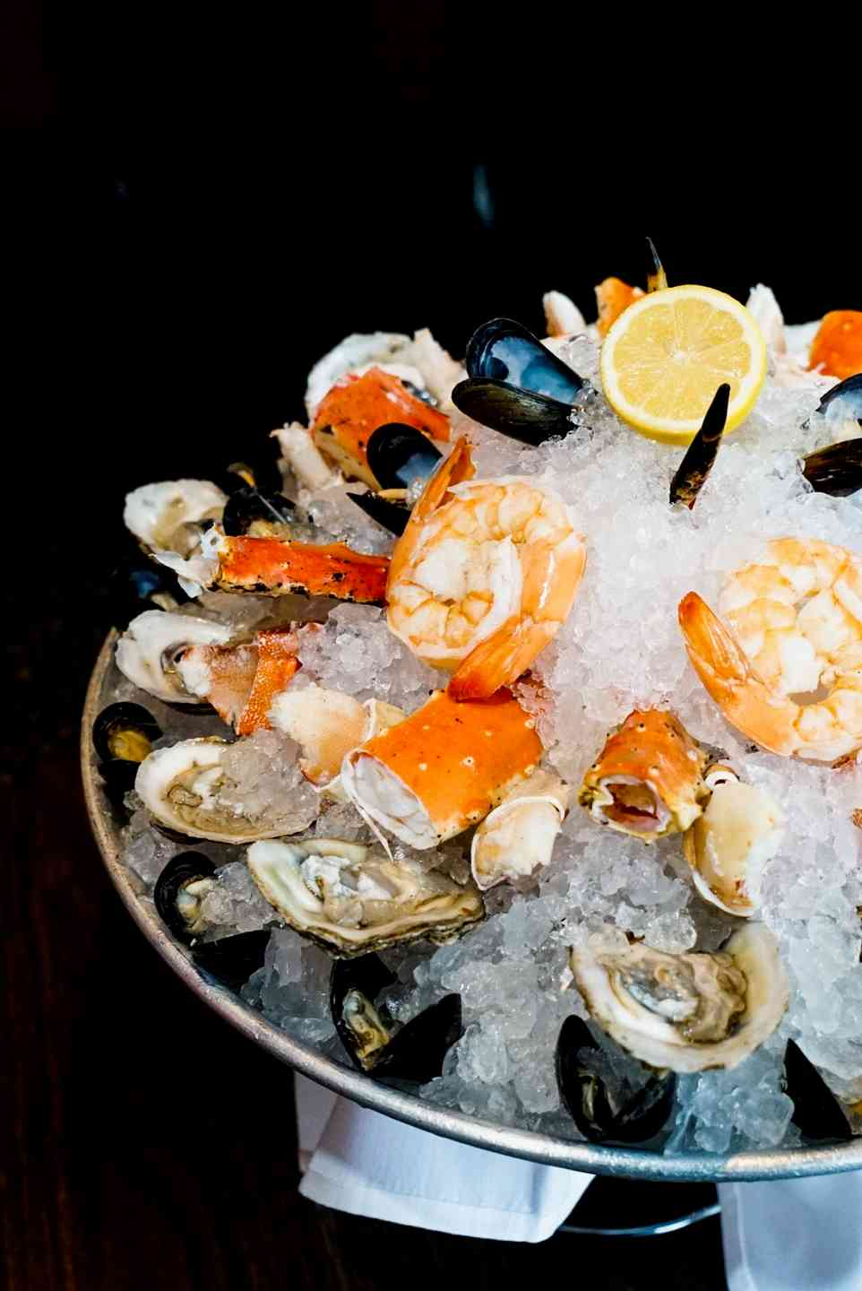 raw bar with shrimp and oysters