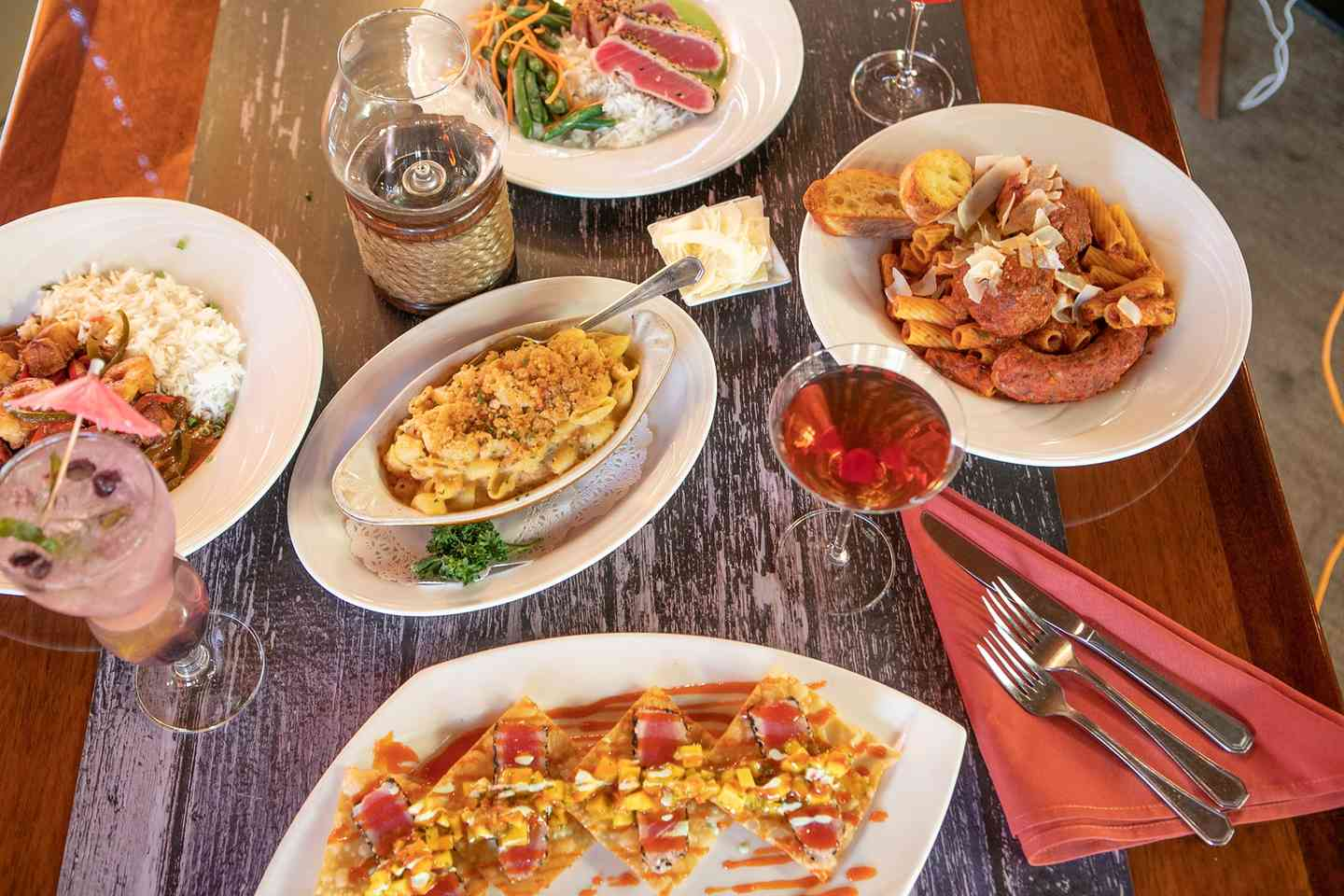 Happy hour + dishes at Otter Cove