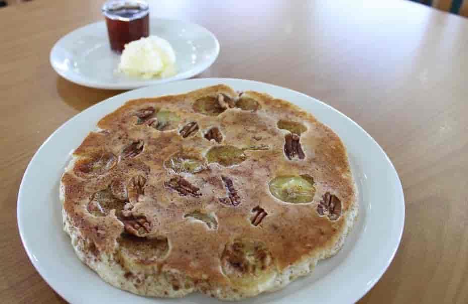 Banana Pecan Cinnamon Pancakes (2)