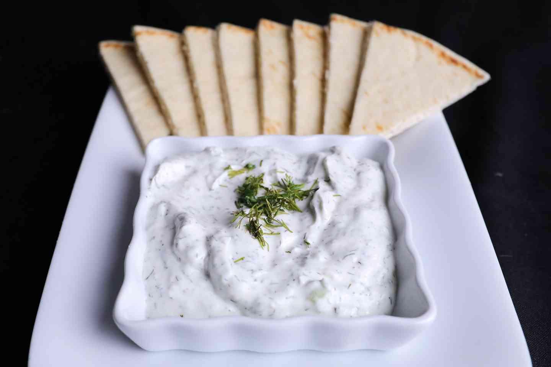 Tzatziki Dip w/ Greek Pita