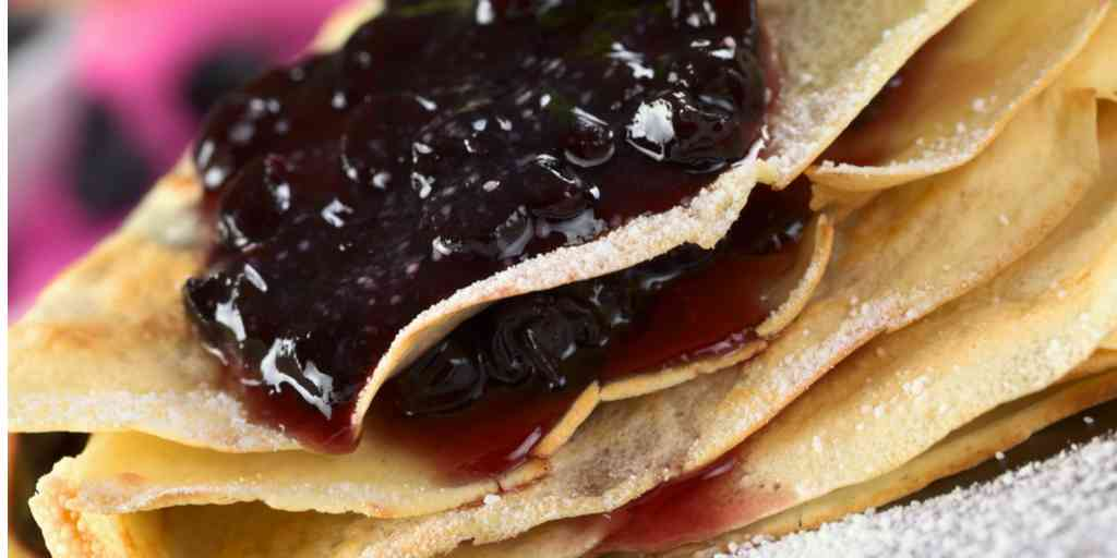 Blueberry and Cream Cheese Filling Crepe