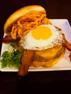 *Royal Smoked Burger