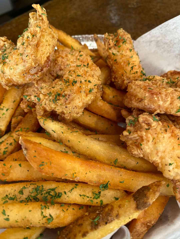 Fried Jumbo Shrimps N Chips